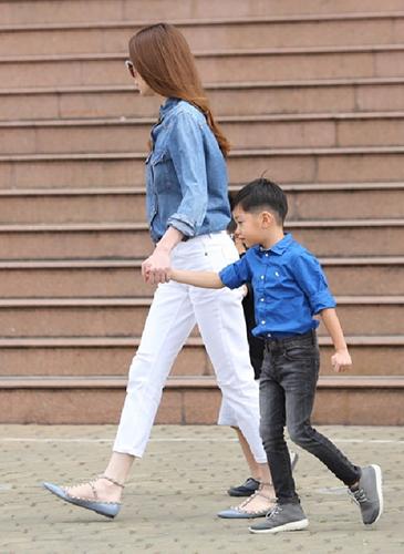 """Ngất Ngay Với 5 Cặp Mẹ Con Sao Việt Sở Hữu Gu Thời Trang """"Đẹp Mê"""""""
