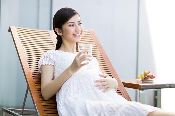 Mang Thai 3 Tháng Đầu, Bà Bầu Nên Uống Loại Sữa Gì Và Uống Như Thế Nào?
