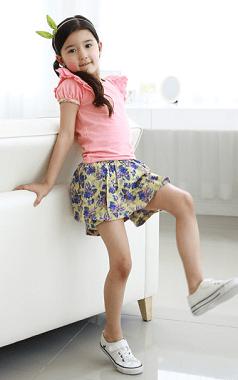 """3 Điều Giúp Mẹ Lựa Chọn Chân Váy Xòe Bé Gái Đẹp Cho """"Công Chúa"""" Nhà Mình"""