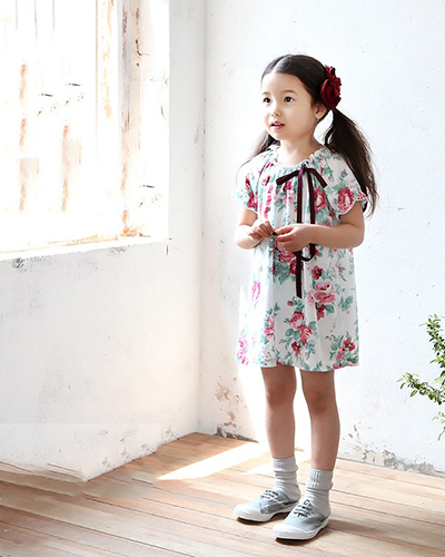 """4 Kiểu Váy Cho Bé Gái Gầy Giúp """"Gia Tăng Cân Nặng"""" Rõ Rệt"""