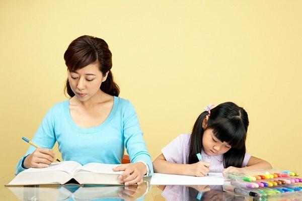 Bí Quyết Giúp Cha Mẹ Dạy Con Học Giỏi Tiếng Anh Từ Nhỏ