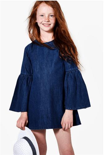 1001 Kiểu Đầm Yếm Jean Bé Gái Và Cách Kết Hợp Thật Hiện Đại Và Xinh Xắn