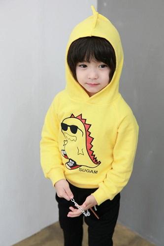 quan-ao-cho-be-trai-be-gai-6-tuoi-ao-hoodie-mang-phong-cach-duong-pho3
