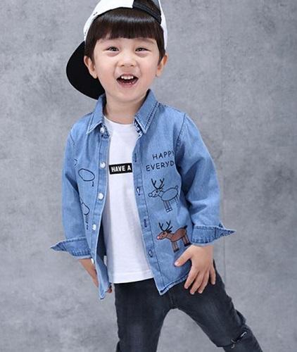 quan-ao-han-quoc-be-trai-nang-dong-hop-thoi-trang-voi-den-trang-lam-chu-dao3