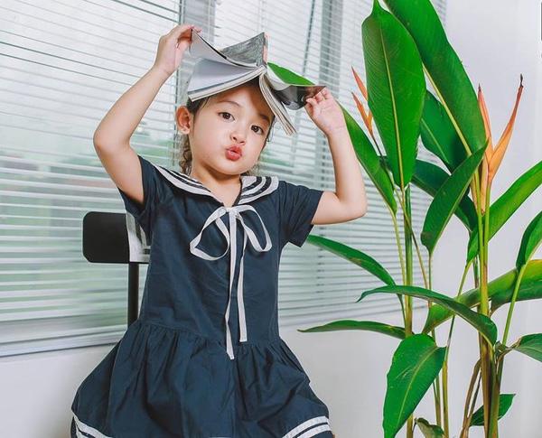 Những Kiểu Đầm Bé Gái 11 Tuổi Màu Xanh Xua Tan Sự Nóng Bức Mùa Hè