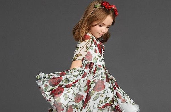 Đầm Bé Gái 14 Tuổi Điểm Xuyết Những Bông Hoa Xinh Xắn, Đáng Yêu