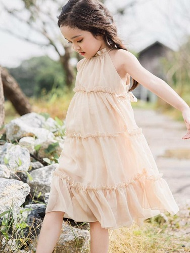 Đầm Bé Gái Cao Cấp Đa Dạng, Thiết Kế Nữ Tính Và Chất Lượng Tuyệt Vời