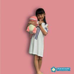 Mách Mẹ Cách Mix Đầm Yếm Cho Bé Gái Trở Nên Nổi Bật