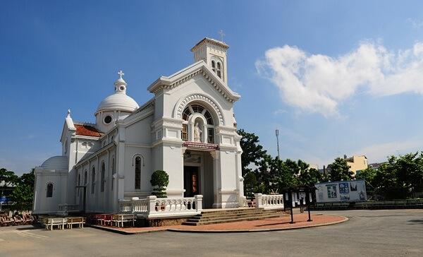 Khám Phá Sài Gòn Giáng Sinh Với 6 Nhà Thờ Đẹp Nhất Đêm Noel