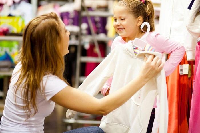 8 Kinh nghiệm mua quần áo trẻ em vừa vặn, được giảm giá